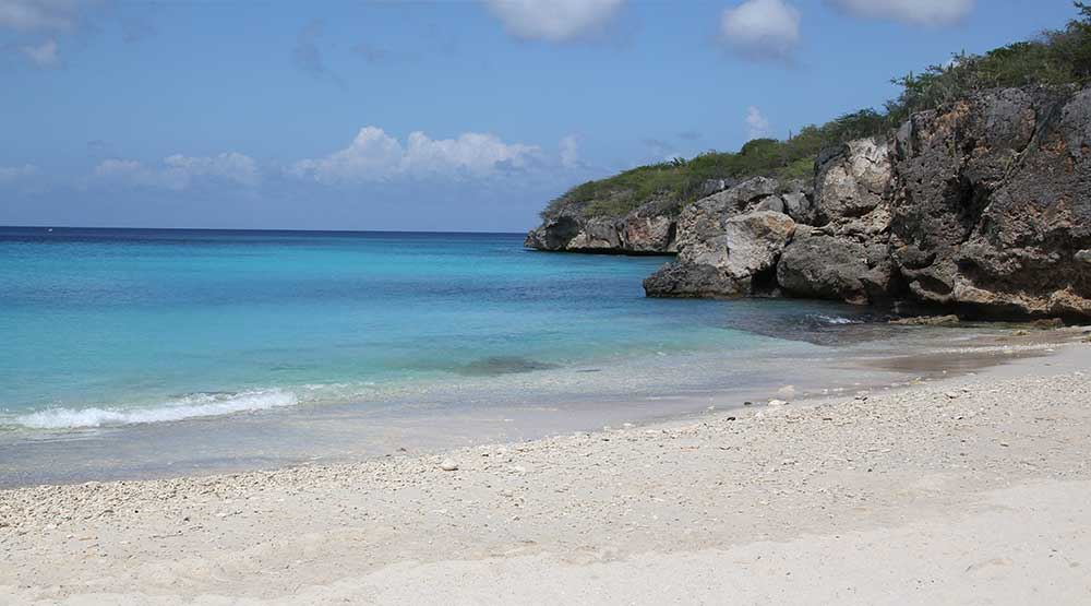 Strand på Curacao, ö i Karibien
